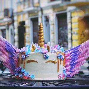 Торт бисквитный единорог в Polverol Киев