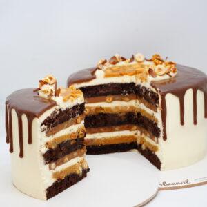 Торт Снікерс у розрізі